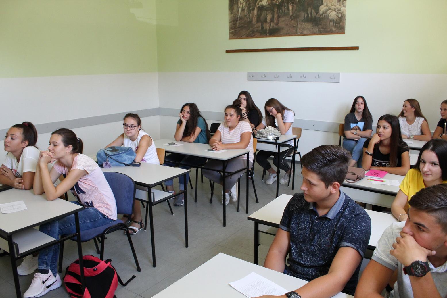 Medicinska škola Hipokrat.09